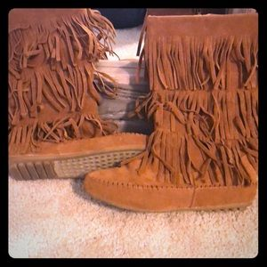 Shoes - Moccasin boots